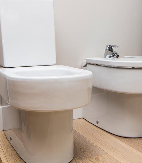 _Renueve-empresa-de-reformas-en-a-coruña-tienda-de-accesorios-para-baño-y-cocina-griferías-puertas-ventanas-calidad-accesorios-grifos-gran-variedad-de-grifos-inodoro
