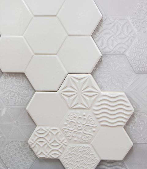 Renueve-empresa-de-reformas-en-a-coruña-venta-de-materiales-proyecto-3d-gratis-expositor-muestras-azulejo-marmolado