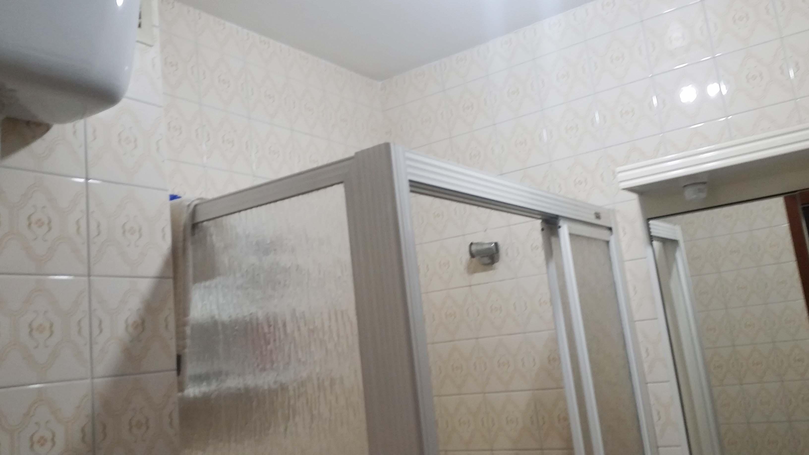 antes-Baños-express-Baño-reforma-coruña-cambio bañera por plato de ducha-aseo-renovar-contratista-empresa-de-reformas-renueve su casa-Rda de Nelle_5
