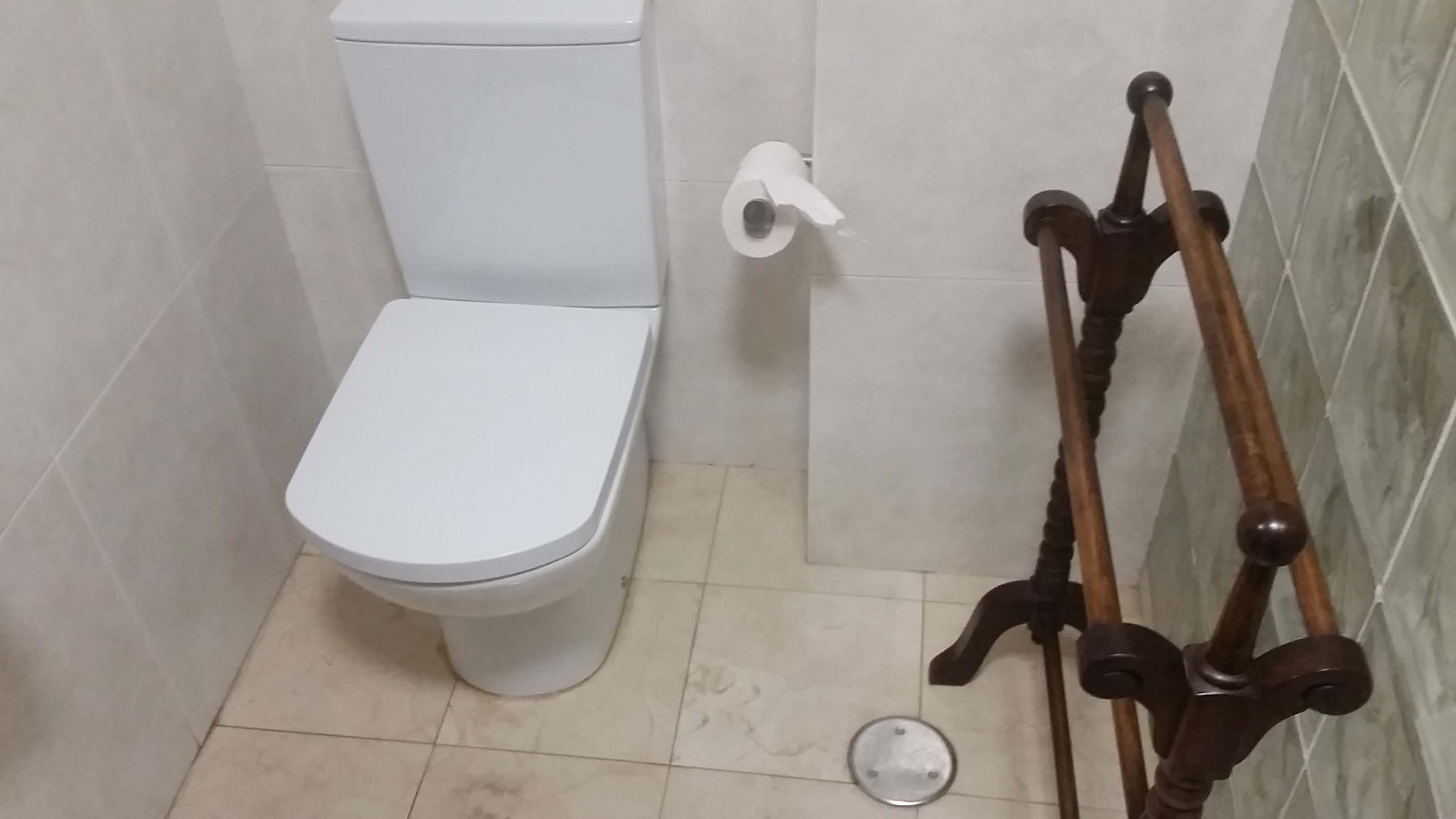 antes-Baños-express-Baño-reforma-coruña-cambio bañera por plato de ducha-aseo-renovar-contratista-empresa-de-reformas-renueve su casa-fernando Macías_1