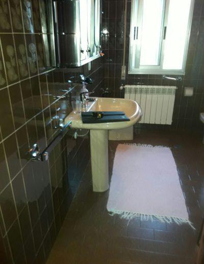 antes-Baños-express-Baño-reforma-coruña-cambio bañera por plato de ducha-aseo-renovar-contratista-empresa-de-reformas-renueve su casa1