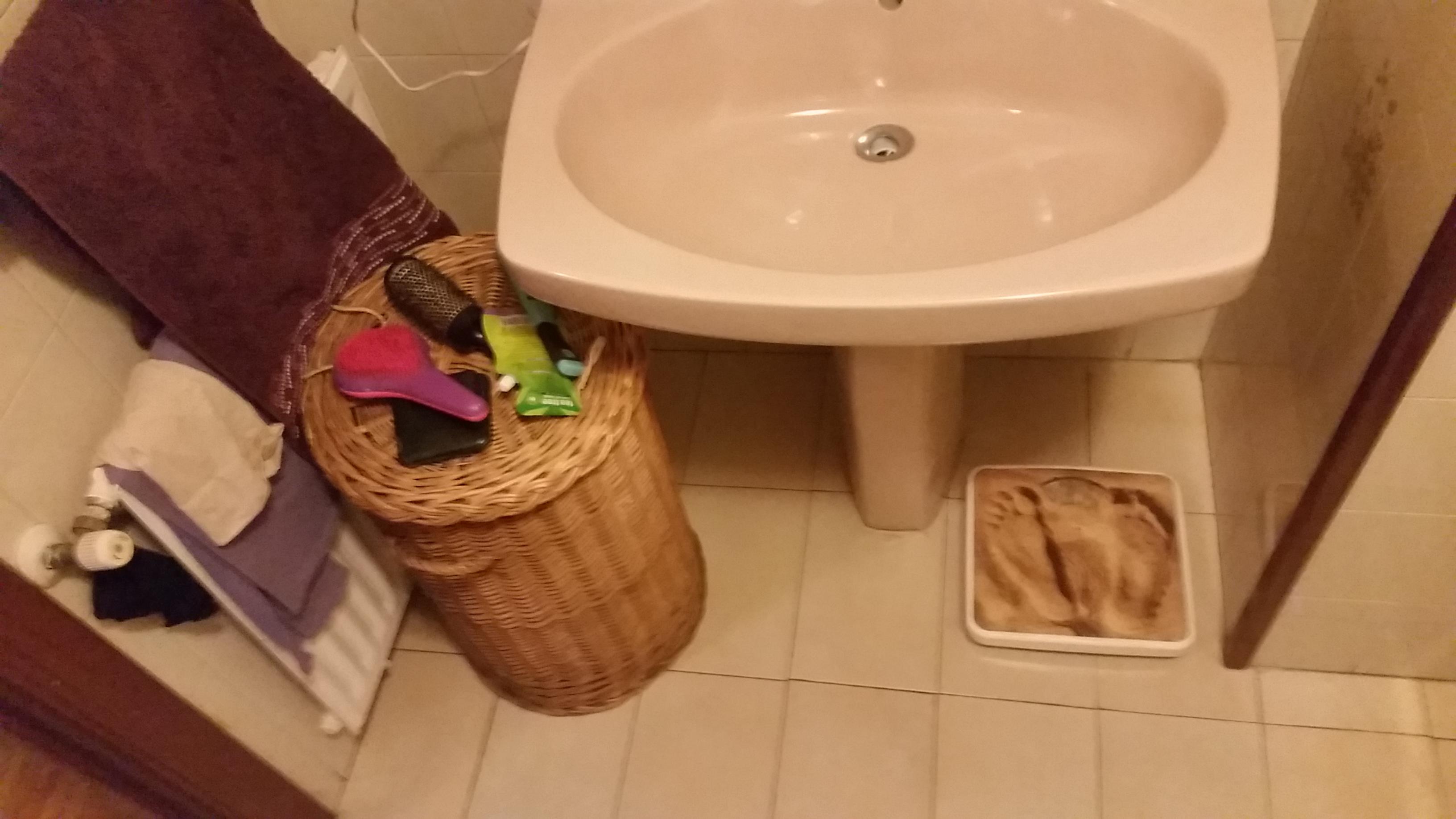 antes-Baños-express-Baño-reforma-coruña-cambio bañera por plato de ducha-aseo-renovar-contratista-empresa-de-reformas-renueve su casa2