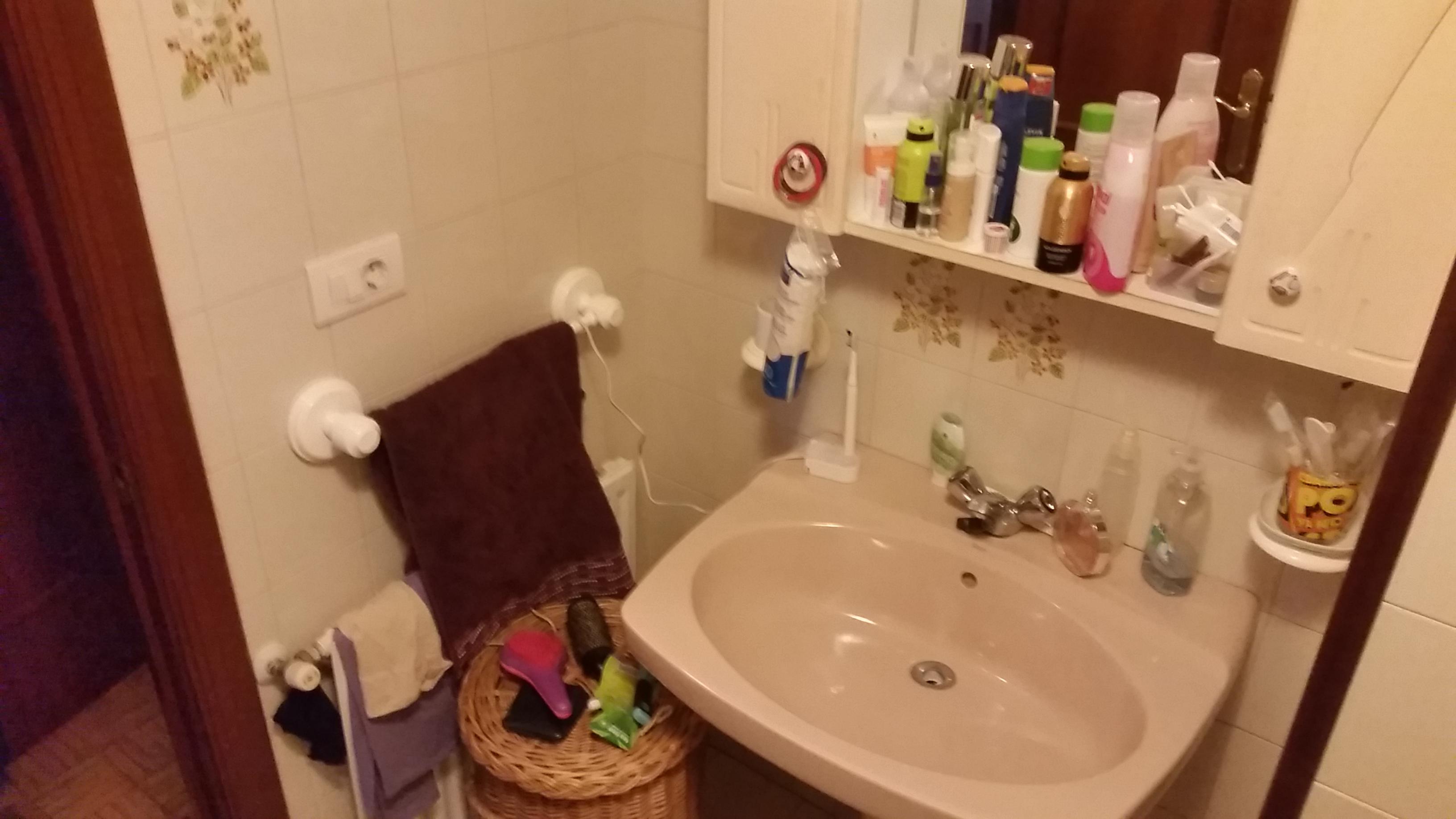 antes-Baños-express-Baño-reforma-coruña-cambio bañera por plato de ducha-aseo-renovar-contratista-empresa-de-reformas-renueve su casa3