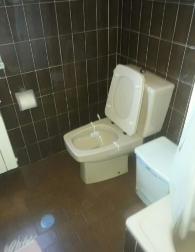 antes-Baños-express-Baño-reforma-coruña-cambio bañera por plato de ducha-aseo-renovar-contratista-empresa-de-reformas-renueve su casa4