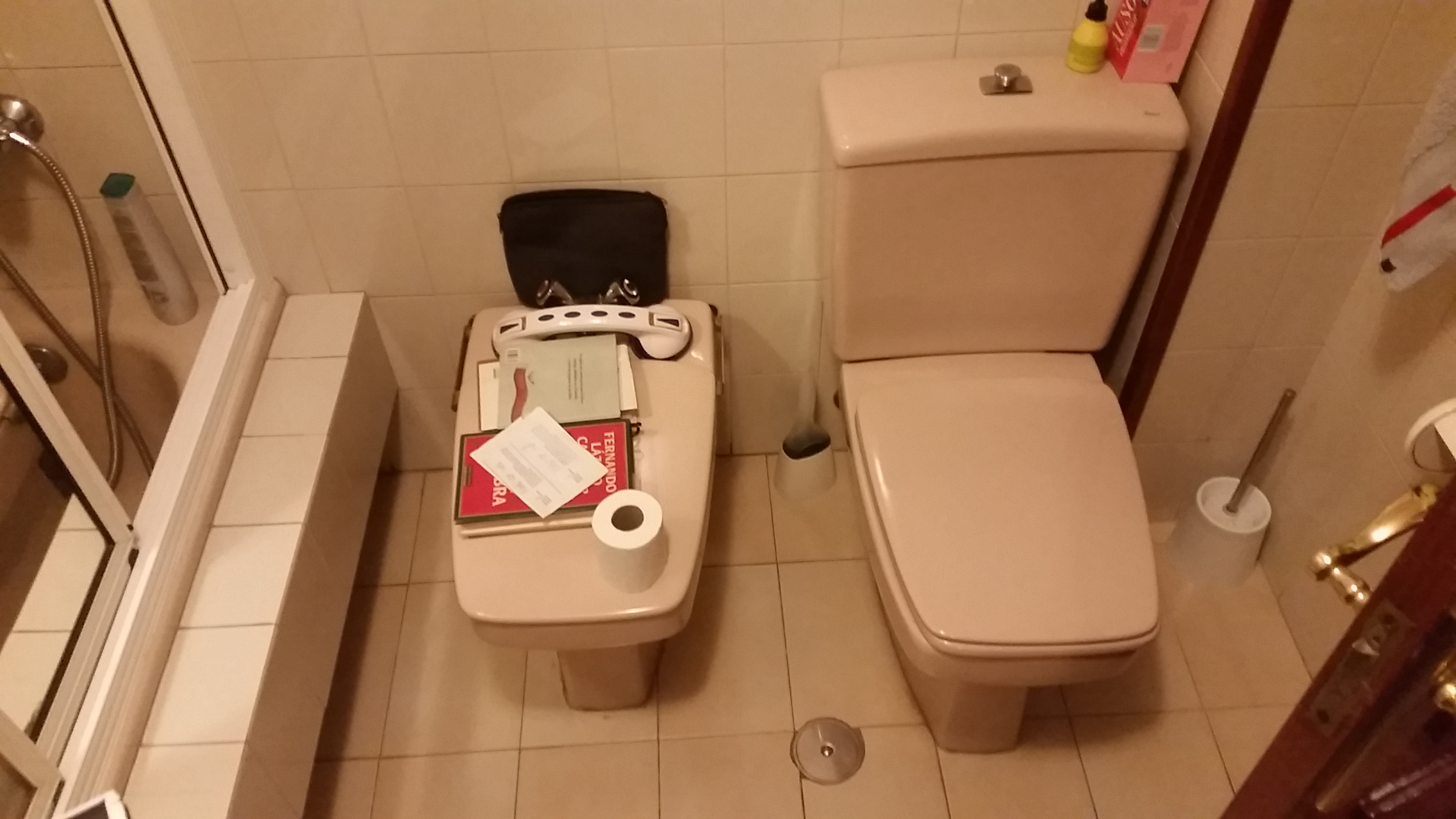 antes-Baños-express-Baño-reforma-coruña-cambio bañera por plato de ducha-aseo-renovar-contratista-empresa-de-reformas-renueve su casa5