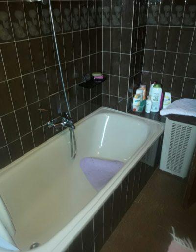 antes-Baños-express-Baño-reforma-coruña-cambio bañera por plato de ducha-aseo-renovar-contratista-empresa-de-reformas-renueve su casa6